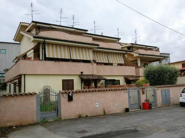 Appartamento in affitto a Pomezia, 3 locali, prezzo € 700 | CambioCasa.it