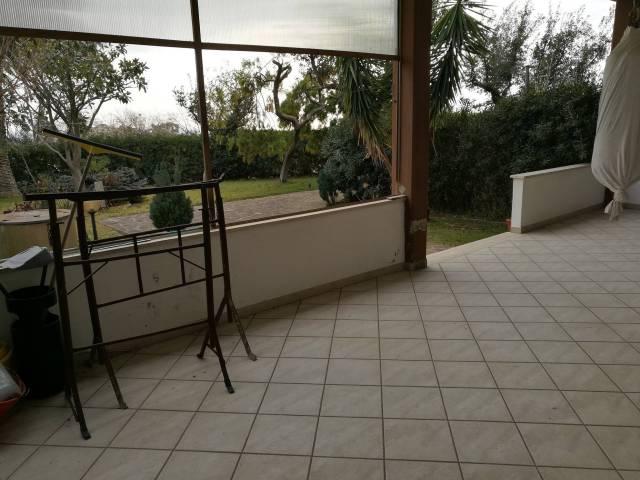Villa in vendita a Cerveteri, 4 locali, prezzo € 175.000 | CambioCasa.it
