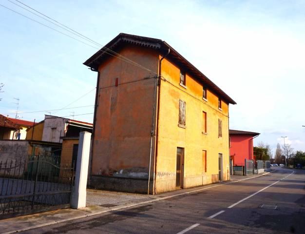 Rustico / Casale in vendita a Ghedi, 4 locali, prezzo € 110.000 | CambioCasa.it
