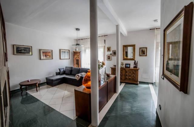 Villa in vendita a Pescia, 9999 locali, prezzo € 380.000   CambioCasa.it