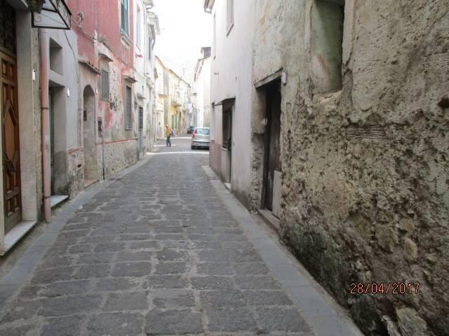 Appartamento in vendita a Mercato San Severino, 3 locali, prezzo € 14.000 | CambioCasa.it