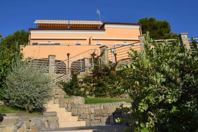 Appartamento in vendita a Andora, 3 locali, prezzo € 395.000 | CambioCasa.it