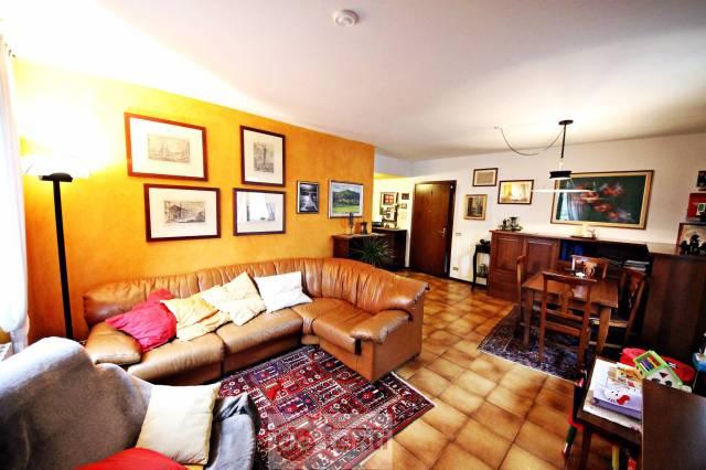 Appartamento in vendita a Mese, 3 locali, prezzo € 170.000 | CambioCasa.it