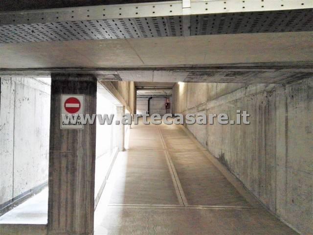 Box / Garage in Vendita a Rho
