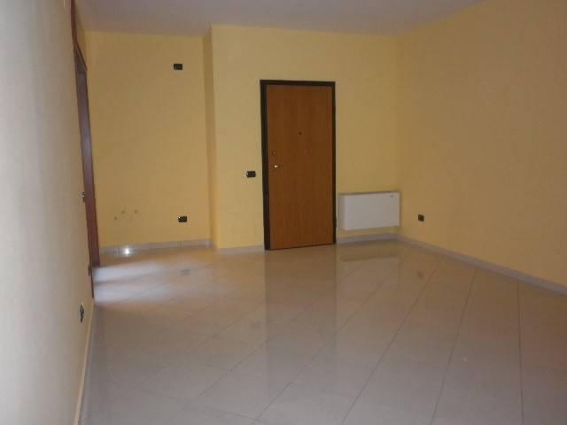 Appartamento in affitto a Mercato San Severino, 3 locali, prezzo € 430 | CambioCasa.it