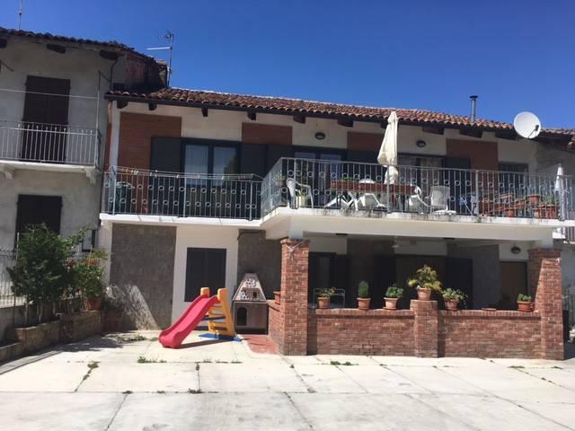 Villa in vendita a Canale, 6 locali, prezzo € 319.000 | CambioCasa.it