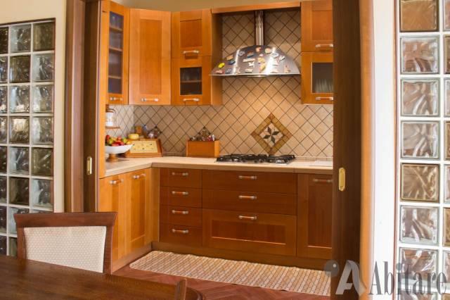 Appartamento in vendita a Messina, 4 locali, prezzo € 198.000 | CambioCasa.it