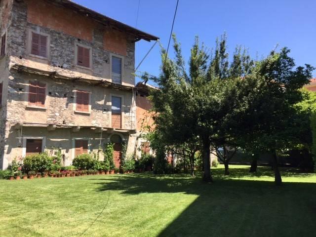 Rustico / Casale in vendita a Gozzano, 6 locali, prezzo € 168.000   CambioCasa.it