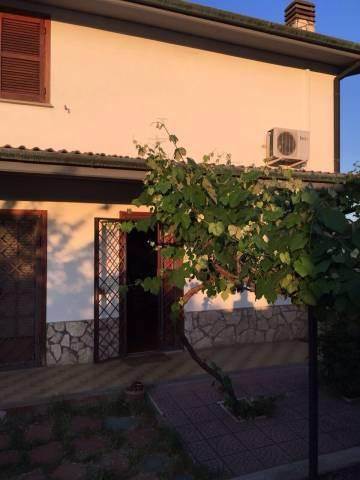 Villa in vendita a Fonte Nuova, 3 locali, prezzo € 185.000 | CambioCasa.it