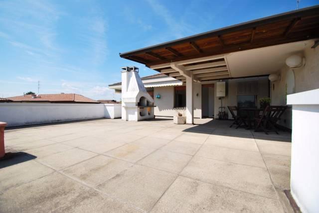 Appartamento in vendita a Lazzate, 3 locali, prezzo € 233.000 | CambioCasa.it