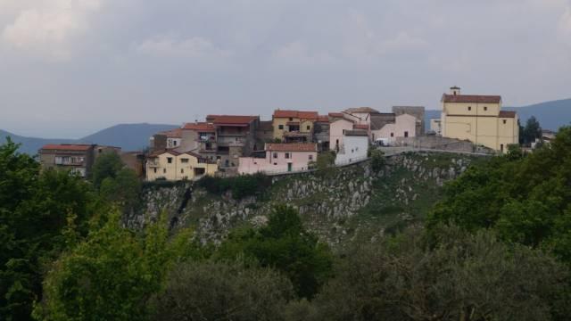 Appartamento in vendita a Castel di Sasso, 3 locali, prezzo € 70.000 | CambioCasa.it