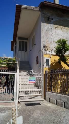 Soluzione Indipendente in vendita a Pontelatone, 5 locali, prezzo € 130.000 | CambioCasa.it