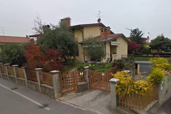 Villa in Vendita a Osio Sopra