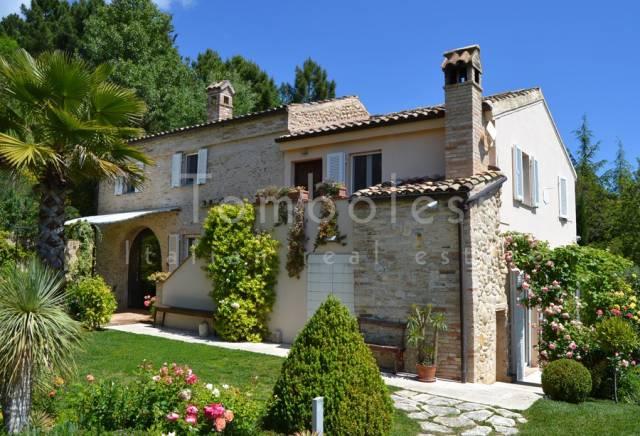 Rustico / Casale in vendita a Moresco, 6 locali, prezzo € 690.000 | CambioCasa.it