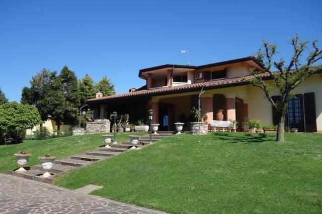 Villa in vendita a Paderno Franciacorta, 6 locali, prezzo € 720.000 | CambioCasa.it