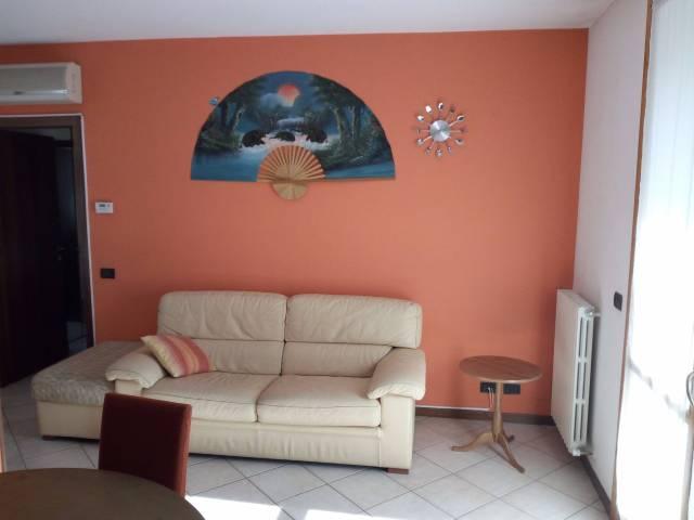 Appartamento in vendita a Castelvetro di Modena, 3 locali, prezzo € 128.000 | CambioCasa.it