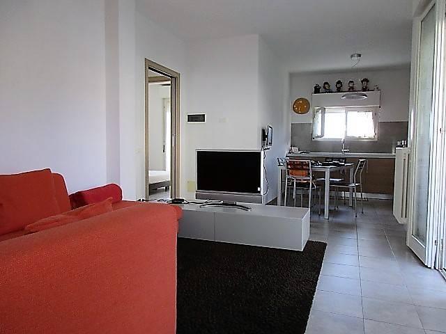 Appartamento in vendita a Casnate con Bernate, 3 locali, prezzo € 155.000 | CambioCasa.it