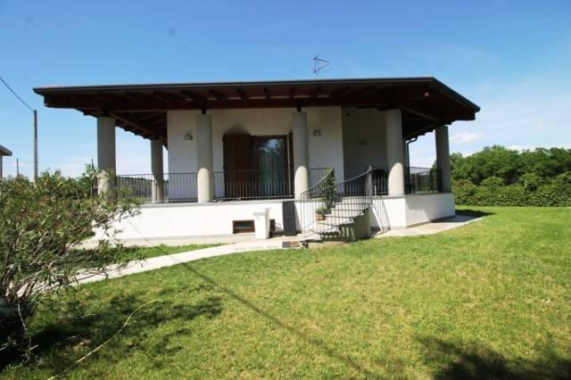 Villa in vendita a Busto Arsizio, 4 locali, prezzo € 350.000 | CambioCasa.it