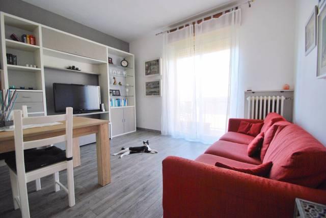 Appartamento in vendita a Solaro, 3 locali, prezzo € 139.000 | CambioCasa.it