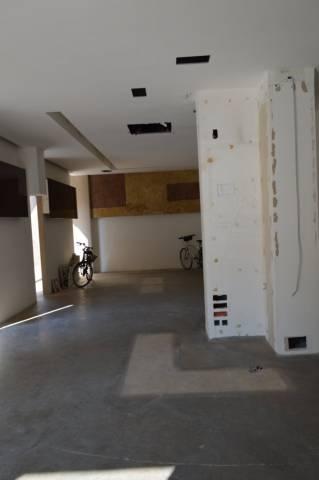 Negozio / Locale in affitto a Civitanova Marche, 1 locali, prezzo € 4.000 | CambioCasa.it