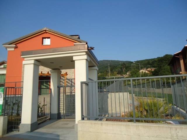 Appartamento in vendita a Dolzago, 3 locali, prezzo € 252.000 | CambioCasa.it