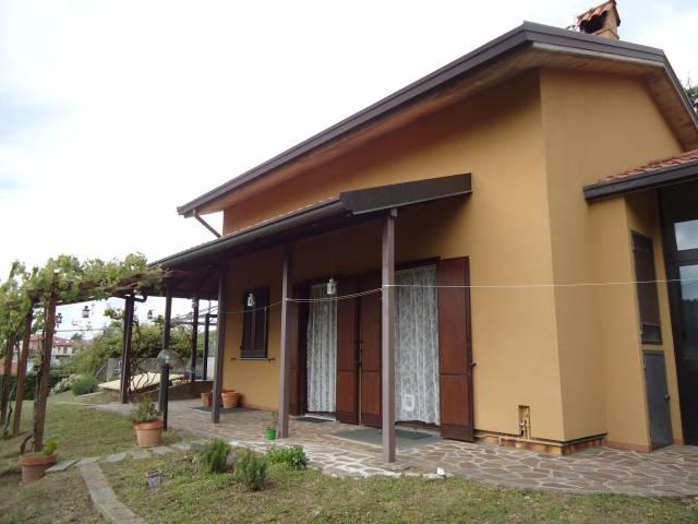 Villa in vendita a Colle Brianza, 6 locali, prezzo € 318.000 | CambioCasa.it