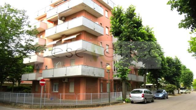 Appartamento in vendita a Cesenatico, 3 locali, prezzo € 125.000   CambioCasa.it