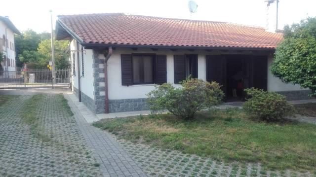Villa in vendita a Lonate Pozzolo, 4 locali, prezzo € 198.000 | CambioCasa.it