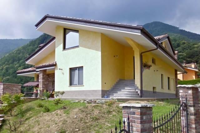 Villa in vendita a San Germano Chisone, 6 locali, prezzo € 200.000 | CambioCasa.it