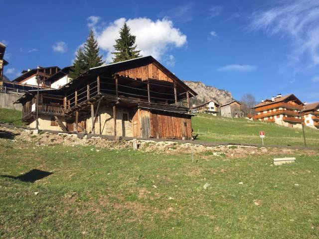 Rustico / Casale in vendita a Selva di Cadore, 9999 locali, Trattative riservate | CambioCasa.it