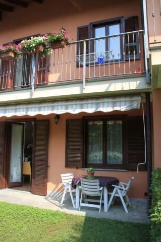 Villa a Schiera in vendita a Cossogno, 4 locali, prezzo € 250.000 | CambioCasa.it
