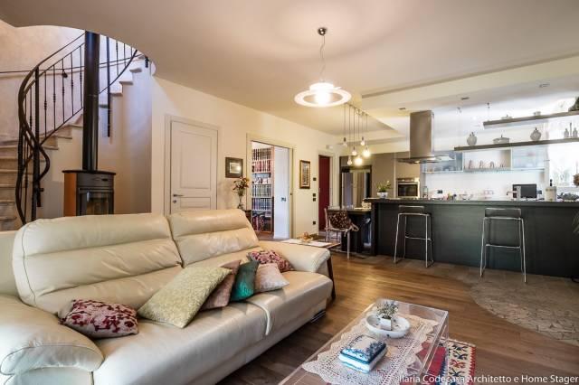 Villa in vendita a Lodi, 4 locali, prezzo € 690.000 | CambioCasa.it