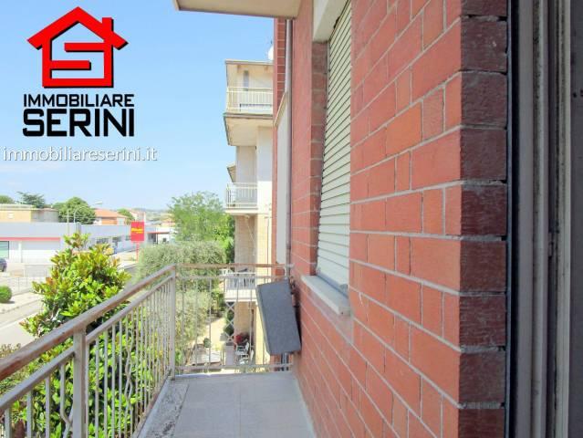 Appartamento in vendita a Corridonia, 6 locali, prezzo € 100.000 | CambioCasa.it