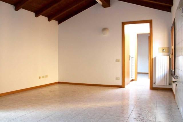 Appartamento in vendita a San Pietro in Casale, 2 locali, prezzo € 64.000 | CambioCasa.it