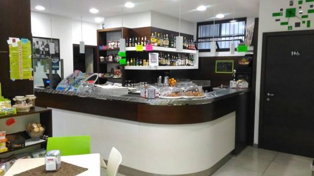 Bar in vendita a Alzano Lombardo, 1 locali, prezzo € 90.000   CambioCasa.it