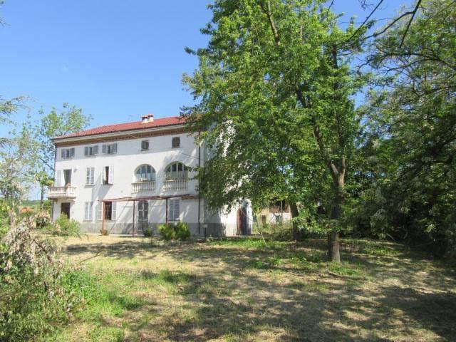 Soluzione Indipendente in vendita a Acqui Terme, 6 locali, Trattative riservate | CambioCasa.it