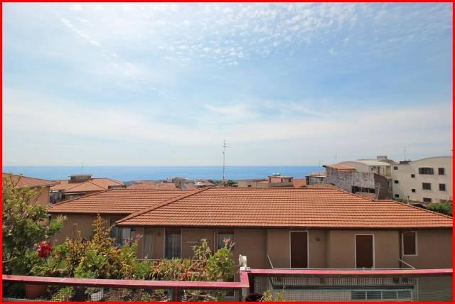 Appartamento in vendita a Aci Castello, 3 locali, prezzo € 94.000 | CambioCasa.it