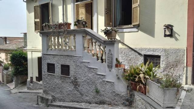 Palazzo / Stabile in vendita a Torrita Tiberina, 3 locali, prezzo € 89.000   CambioCasa.it