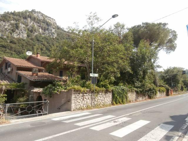 Villa in vendita a Narni, 6 locali, prezzo € 210.000 | CambioCasa.it