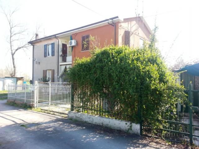 Appartamento in vendita a Crespino, 2 locali, prezzo € 25.000 | CambioCasa.it