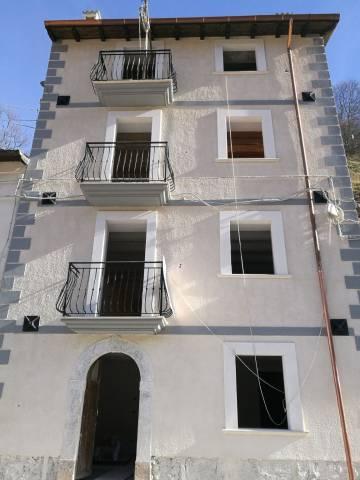 Appartamento in vendita a Rocca Pia, 2 locali, prezzo € 130.000 | CambioCasa.it