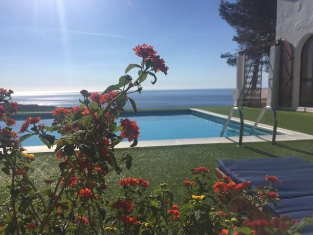 Villa in vendita a Domus De Maria, 6 locali, Trattative riservate | CambioCasa.it