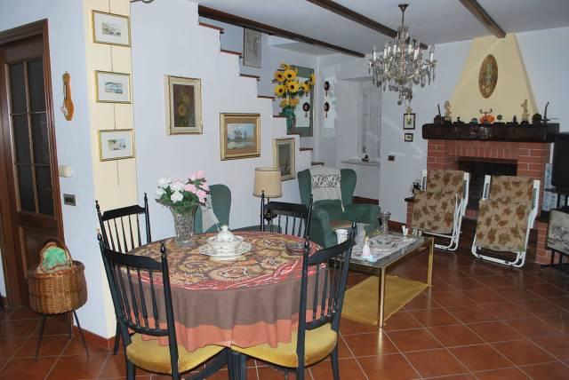 Villa in Vendita a Guarene
