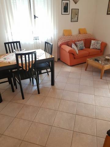 Appartamento in vendita a Bregnano, 3 locali, prezzo € 150.000 | CambioCasa.it