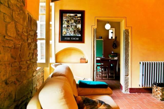 Appartamento in vendita a Loro Ciuffenna, 4 locali, prezzo € 138.000 | CambioCasa.it