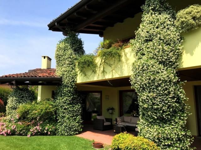 Villa in vendita a Trezzano Rosa, 4 locali, Trattative riservate | CambioCasa.it