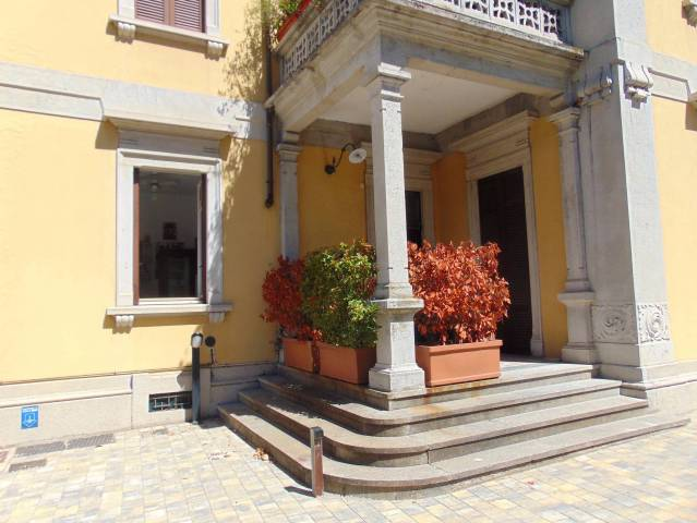 Appartamento in vendita a Lecco, 3 locali, prezzo € 320.000 | CambioCasa.it