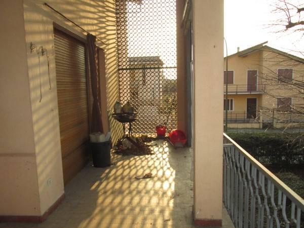 Villa in vendita a Roverbella, 6 locali, prezzo € 300.000 | CambioCasa.it