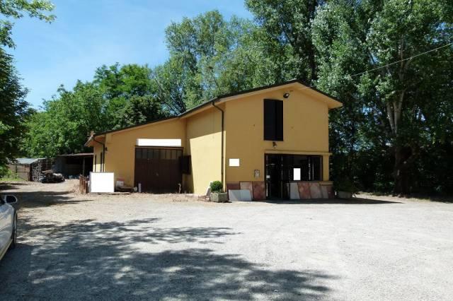 Magazzino in vendita a Castel San Pietro Terme, 5 locali, prezzo € 550.000 | CambioCasa.it