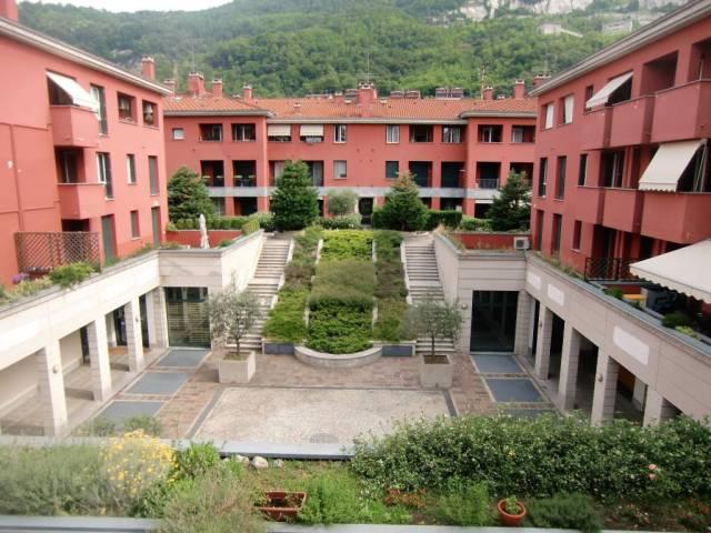Appartamento in vendita a Pusiano, 2 locali, prezzo € 85.000 | CambioCasa.it